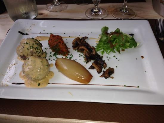 , Plat : Le Donjon  - Boulette de viande au boeuf confite a la provençale.               Tout est maison           Un delice  -