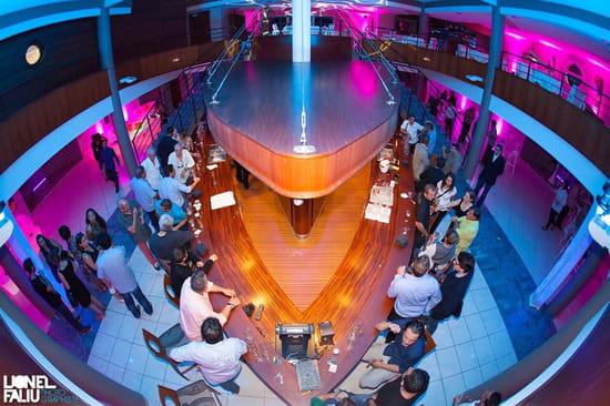 Le Globe  - Rez de chaussé  espace tapas location de la salle pour les evenements -   © Lionelfaliu photographe