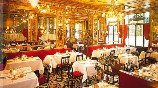 Ma tre d h tel confirm e commis de salle restaurant for Offre d emploi commis de cuisine paris