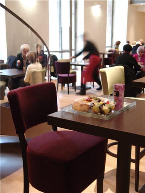 Le jardin mus e du petit palais bar paris avec for Cafe le jardin du petit palais