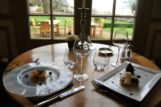 Le Manoir des Impressionnistes  - Table -