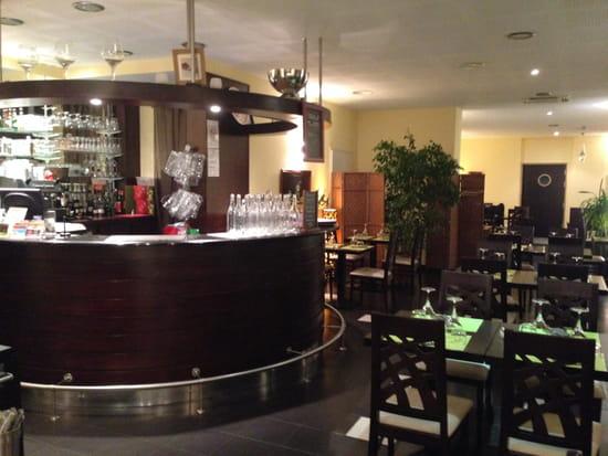 Le Marin restaurant  - le bar, la salle -   © nathalie denel