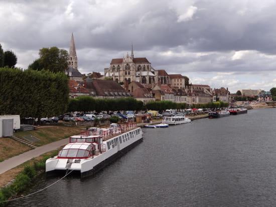 Le Maurey  - Le Maurey au bord de l'Yonne -