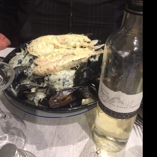 , Plat : Le Med  - Assiette de moule avec crème ainsi que gambas et fromage gratiné vraiment très bon  -