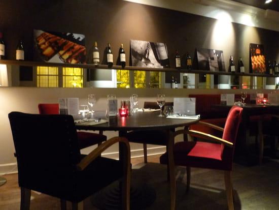 le moderne restaurant de cuisine traditionnelle 224