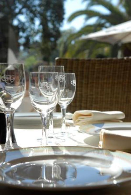 Le pavillon restaurant gastronomique antibes avec for Antibes restaurant le jardin