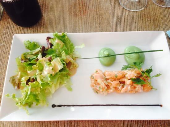 , Entrée : Le Petit Bouchon  - Tartare de saumon -