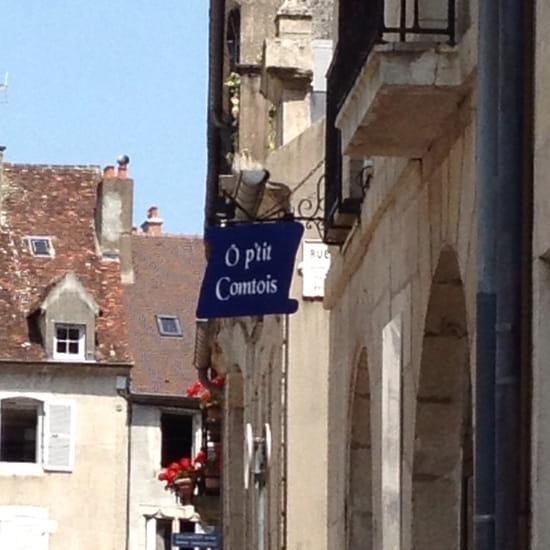 , Restaurant : Le Petit Savoyard Ô p'tit Comtois  - Photo enseigne vue de la rue Arney  -