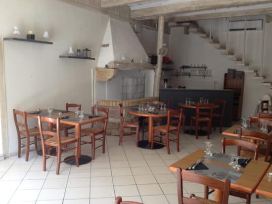 Le Petit Savoyard Ô p'tit Comtois  - salle de restaurant -