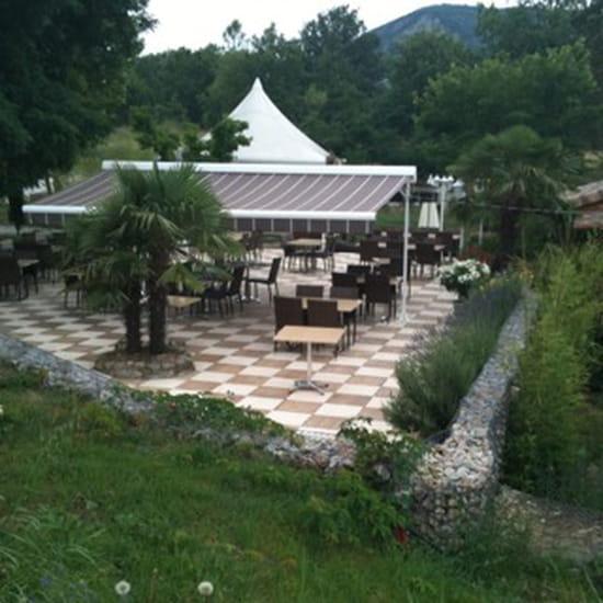 , Restaurant : Le Pont Des Mazes
