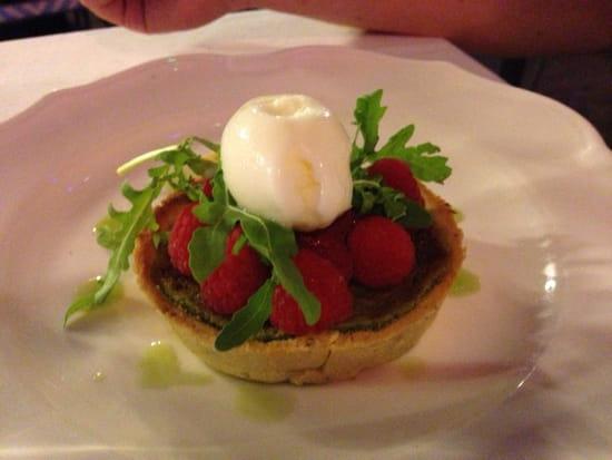 , Dessert : Le Relais 50  - Tarte à la pistache, framboises et roquette -