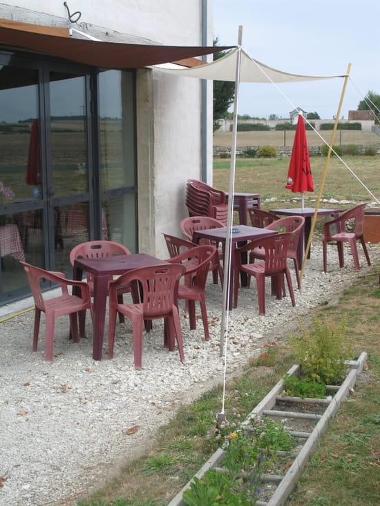 Le Saint Loup  - La terrasse de derrière -