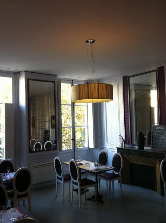 Le Saint Projet  - Salle de restaurant 1er étage -   © Nathanael
