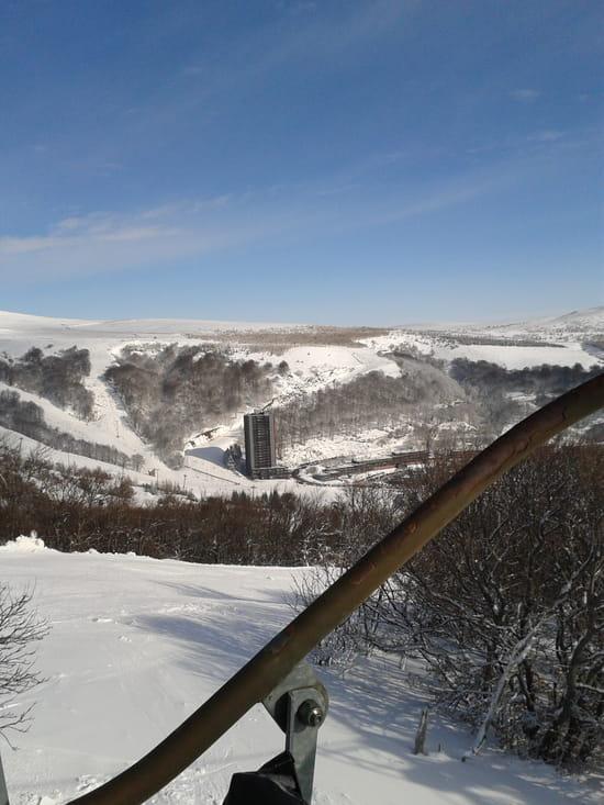 Le Slalom  - restaurant au pied de la tour -   © françois aupic