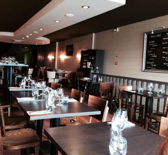 , Restaurant : Le Valin  - Salle à l étage  -