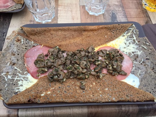 , Plat : Le Veryach  - Galette au blé noir : à l'anglaise (champignons en supplément) -