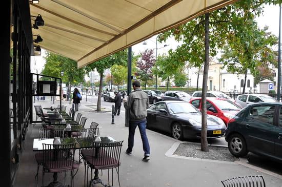 Le Village à Neuilly  - La terrasse du Village à Neuilly -   © OP/VN