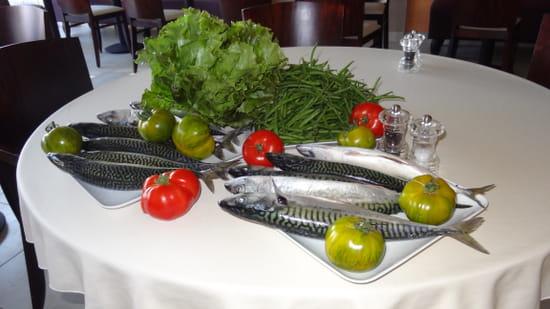 Les 2 Moulins  - Maquereaux de ligne, tomates zebra verte et haricot vert de Theix -