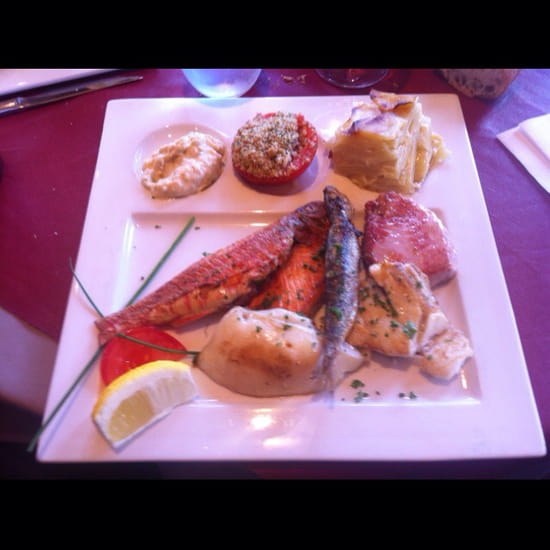 , Plat : Les Boucaniers  - Plancha de poissons très frais. -