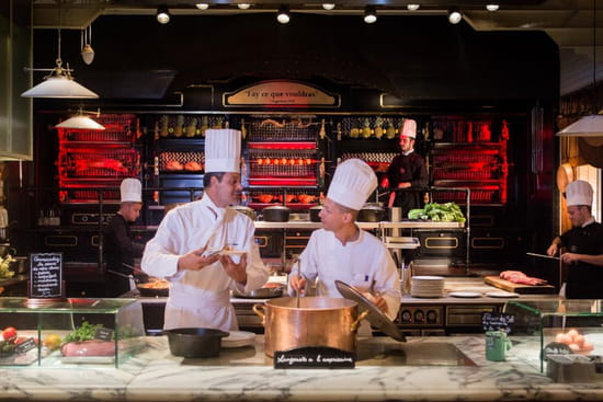 Les Grands Buffets  - La rôtisserie panoramique des Grands Buffets à Narbonne -   © Les Grands Buffets