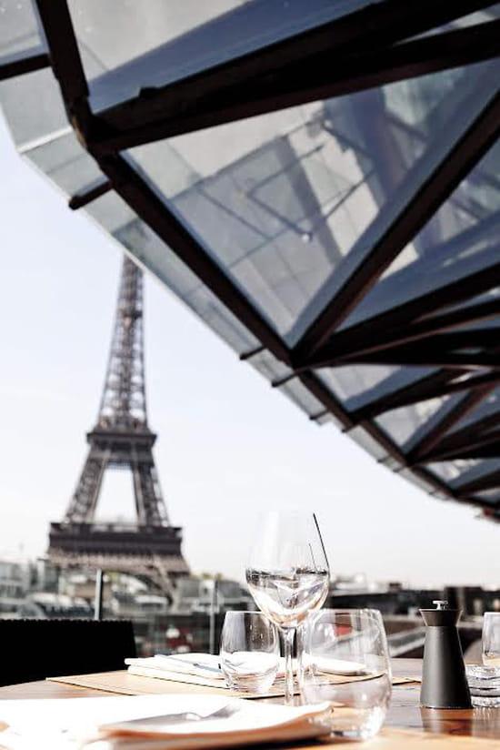 Les ombres restaurant cuisines du monde paris avec - Restaurant vaise tout le monde a table ...