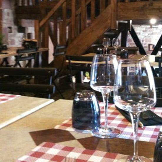 , Restaurant : Les Pierres Rouges