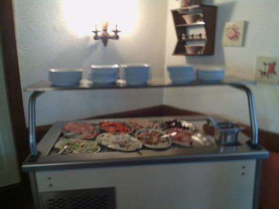 Les Sarrazins  - Buffet d'entrée -