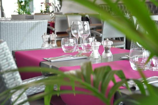 Les terrasses de l'Opéra  - côté restaurant -   © Mikael Lunel