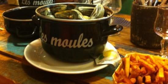 , Plat : Moules et Compagnie  - Moules à l'homardine avec frites maison le 12/09/13 un vrai délice ! -