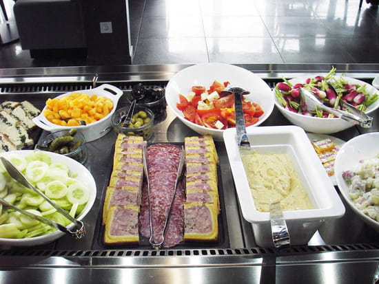 New Cantine  - Le buffet à volonté -   © New Cantine