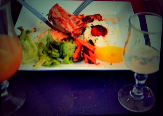 , Restaurant : Ô Dix Sept  - Duo saumon et thon avec risotto et petits légumes ! Un régal... -