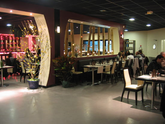 zen restaurant chinois marseille avec linternaute. Black Bedroom Furniture Sets. Home Design Ideas