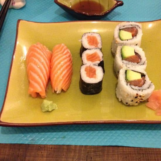 , Plat : Öishi de Vienne  - Sushi, Maki & California Roll -