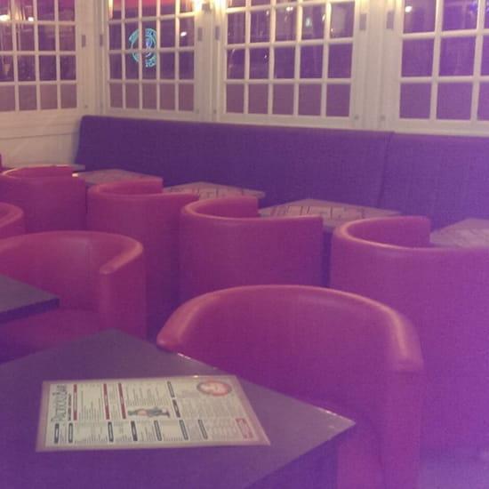 , Restaurant : Patrick's Bar  - Le petit salon... -