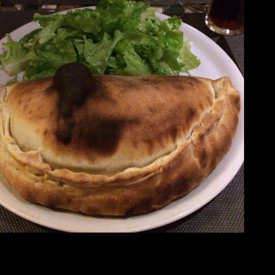 , Plat : Pizzéria de la Tour  - Belle calzone -