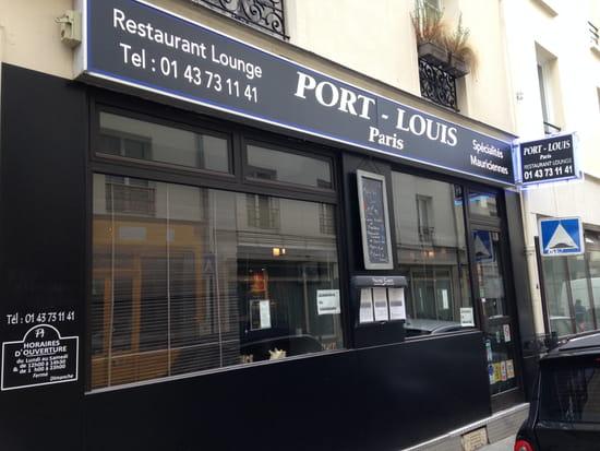 Port Louis... Paris