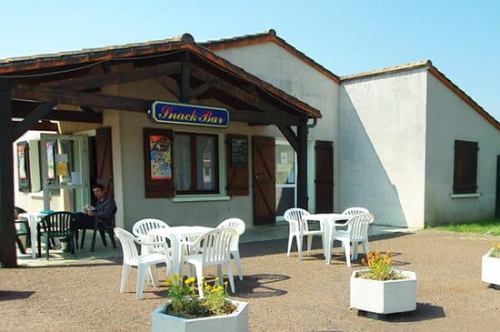 Restaurant Al-issa  - La terrasse du restaurantAl-Issa -   © Thierry Brault