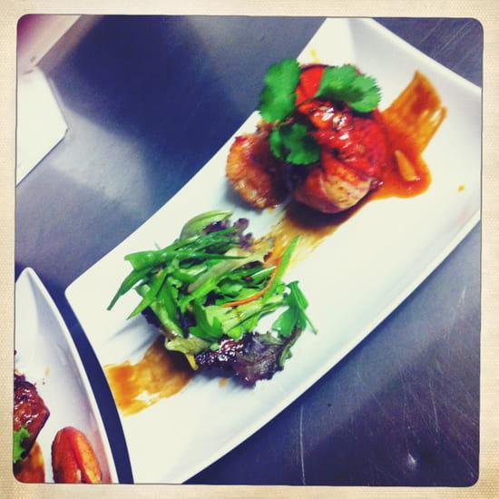 Restaurant Epicetou  - surf & turf queue de homard laqué et pressa de cochon a la thai -