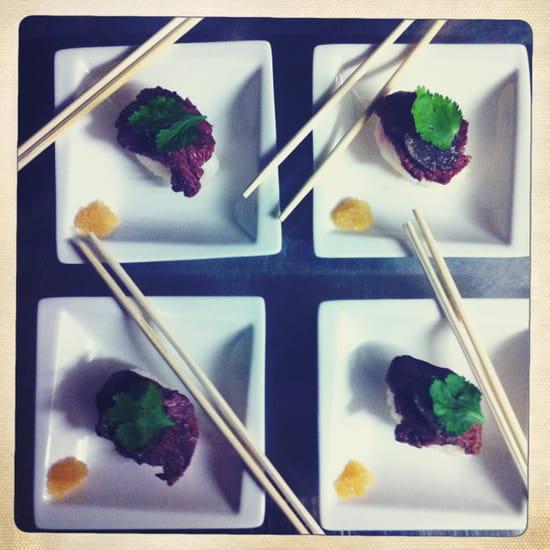 Restaurant Epicetou  - sushi au filet de boeuf tiede et truffe noire -