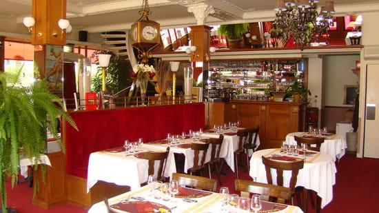 Restaurant Grande Brasserie du Commerce  - La Salle de  Restaurant -   © J Durand