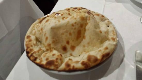 , Plat : Restaurant Indien Suraj 15  - Cheese nan -