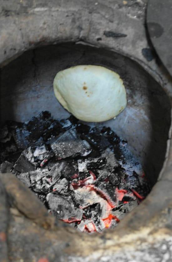 Restaurant Koh-i-noor  - Nan cuit au tandoor -   © Koh-i-noor