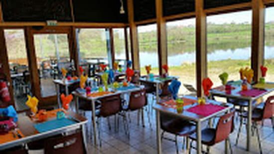 Restaurant La Plage du Rousset  - Salle du restaurant -   © Uriel Dejou