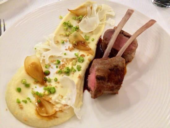 , Plat : Restaurant Les 7 Mers  - Carré d'agneau -