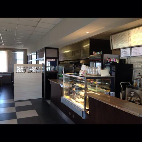 , Restaurant : Resto l'Express Café  - Comptoirs cuisine -