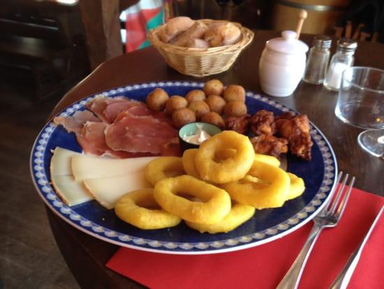 , Restaurant : Sagarra  - Assiette de tapas -