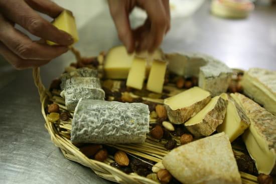 Saucisson et Beajolais  - Saucisson et Beaujolais, Le plateau de fromage -   © Cyril Schmitt