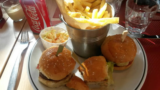 , Plat : Studio 5 Bar & Burger  - Le trio -