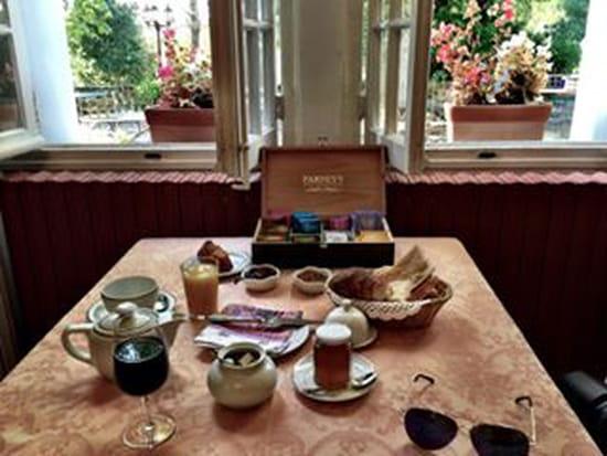 Table Gourmande le Mogador  - petit dejeuner -   © semon
