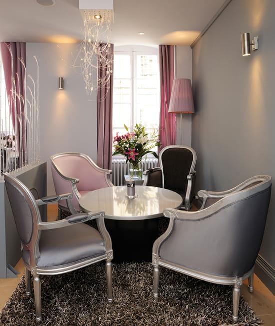 theias restaurant bio avignon avec linternaute. Black Bedroom Furniture Sets. Home Design Ideas